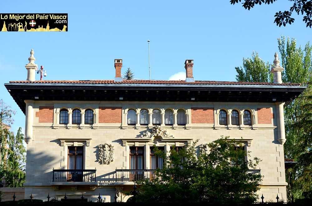 Ajuria-Enea-en-Vitoria-Gasteiz-por-Lo-Mejor-del-País-Vasco