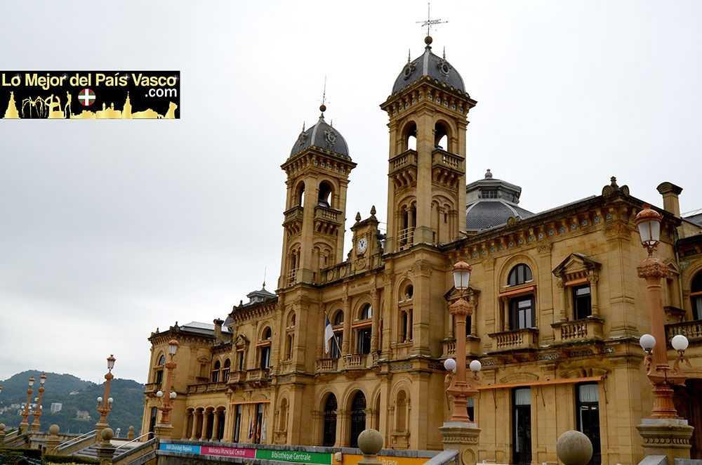 Ayuntamiento-de-San-Sebastián-Que-Ver-en-San-Sebastián-por-Lo-Mejor-del-País-Vasco