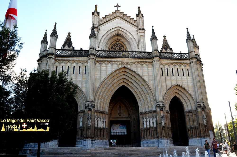 Catedral-Nueva-de-Vitoria-Gasteiz-por-Lo-Mejor-del-País-Vasco
