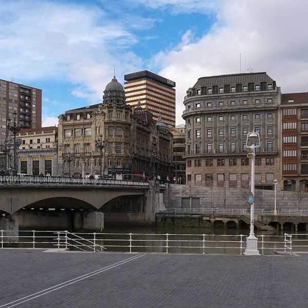 Edificio Sociedad Bilbaina Fuente Wikipedia Autor José Luis Filpo Cabana