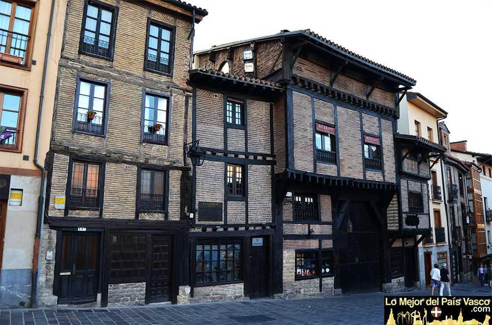 El-Portalon-en-Vitoria-Gasteiz-por-Lo-Mejor-del-País-Vasco