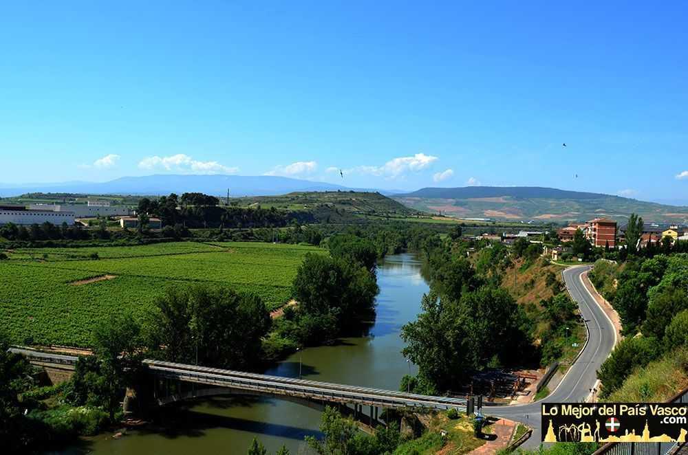 La-Puebla-de-Labarca-Rioja-Alavesa-por-Lo-Mejor-del-País-Vasco