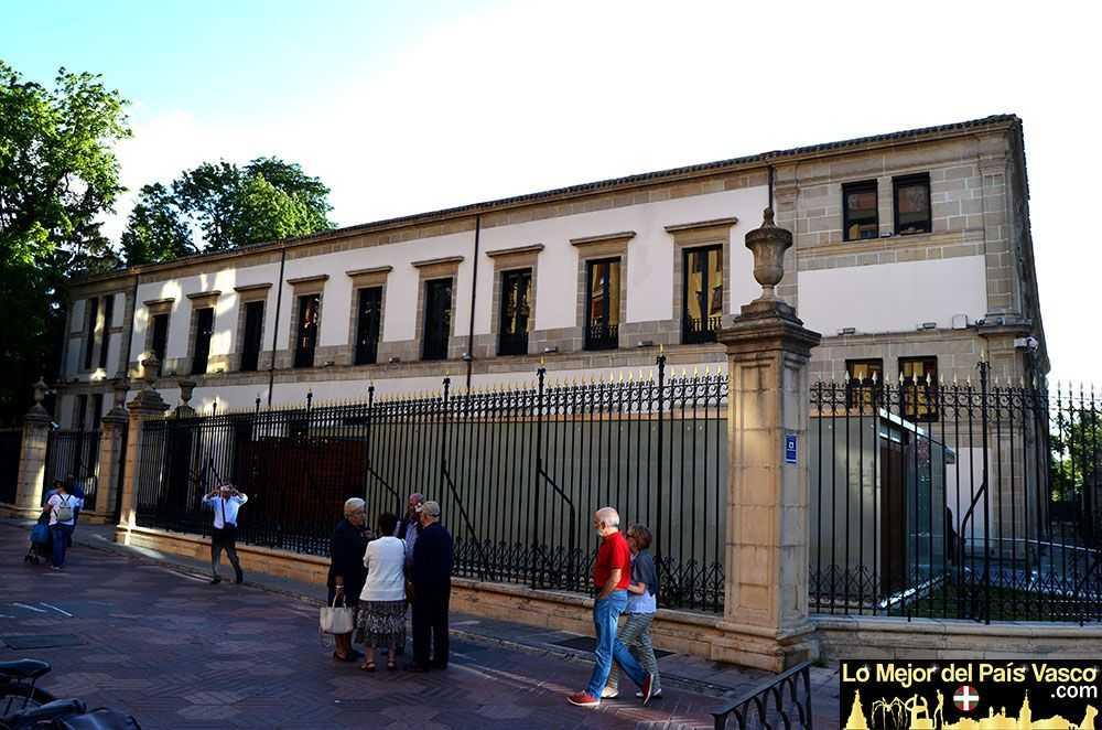 Parlamento-Vasco-de-Vitoria-Gasteiz-por-Lo-Mejor-del-País-Vasco