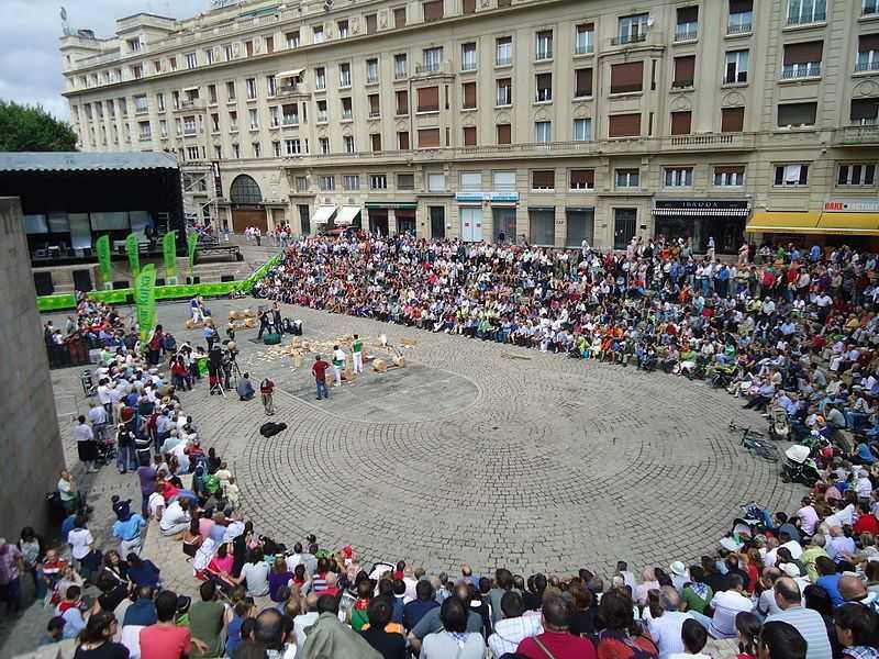 Plaza de Los Fueros Fuente Wikipedia Autor Asier Sarasua Garmendia Assar