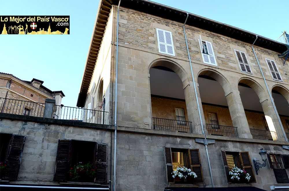 Vista-Exterior-de-Los-Arquillos-en-Vitoria-Gasteiz-por-Lo-Mejor-del-País-Vasco