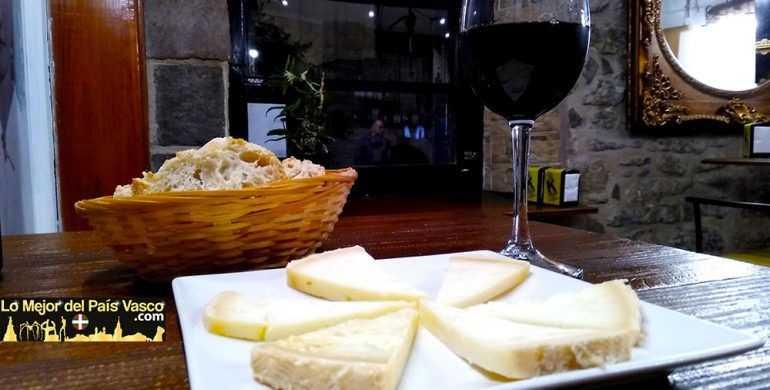 Bar-La-Torre-de-Anda-Ración-Queso-de-Cabra-por-Lo-Mejor-del-País-Vasco