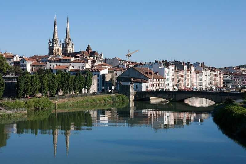 Bayonne-Centre_historique-20130811-Fuente-Wikipedia-Autor-Daniel-Villafruela
