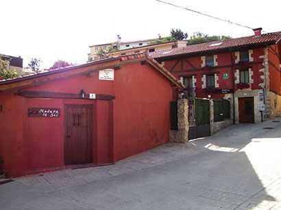 Casa-Rural-Madera-y-Sal-Exterior