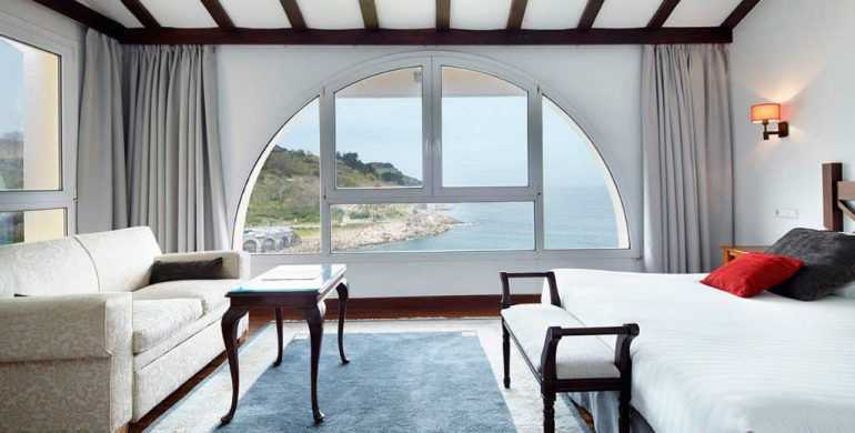 Hotel-Saiaz-Getaria-Habitaciones-Dobles-Superior-en-Lo-Mejor-del-Pais-Vasco