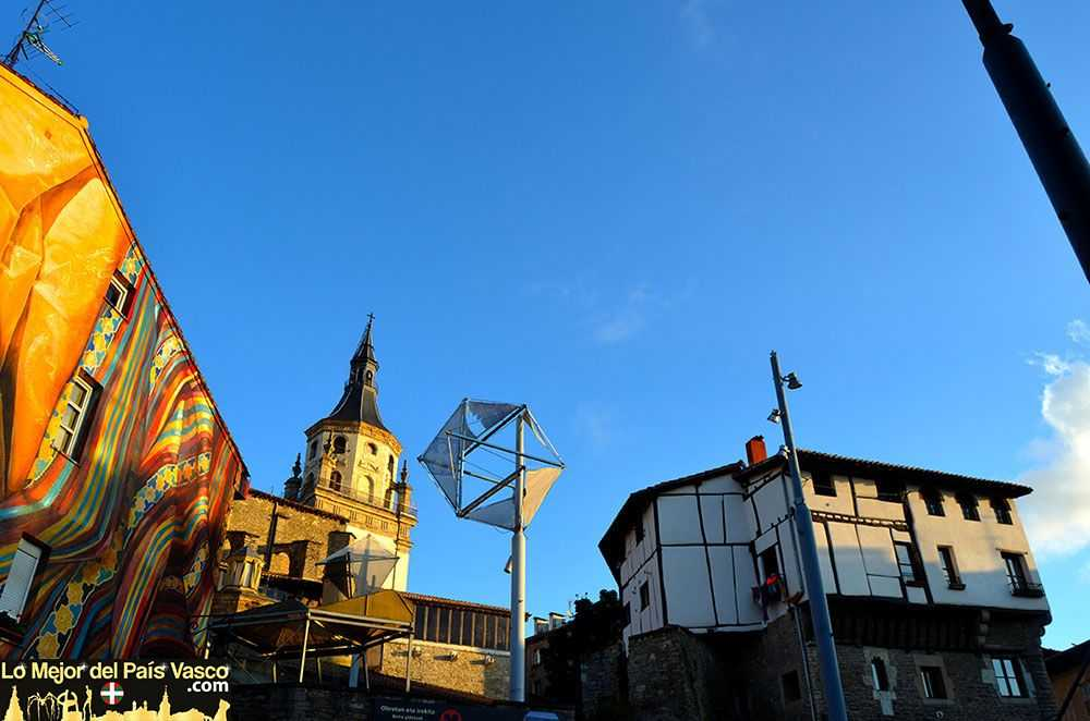 La-Catedral-Vieja-y-la-Torre-de-los-Anda-por-Lo-Mejor-del-País-Vasco