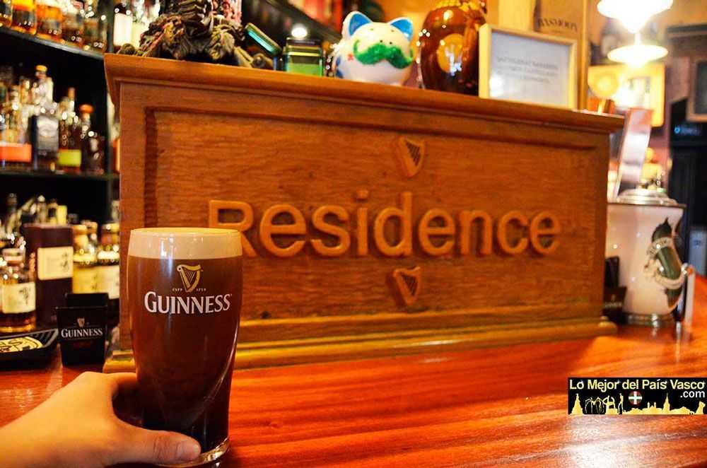 Residence-Cafe-Guiness-por-Lo-Mejor-del-País-Vasco