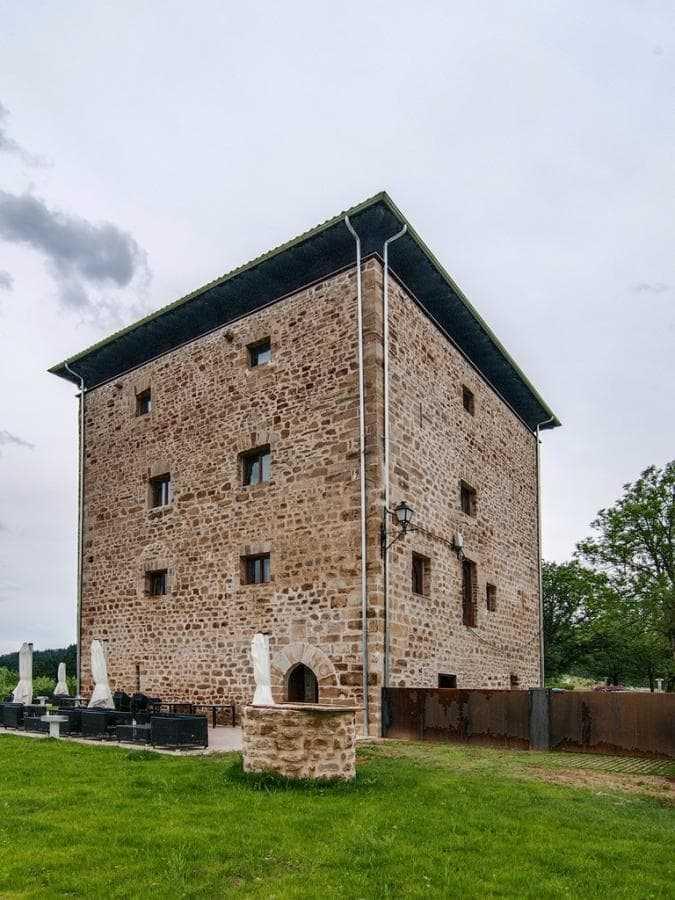 Torre de Zumeltzegi Exterior-min