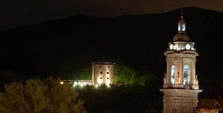 Torre de Zumeltzegi Noche-min