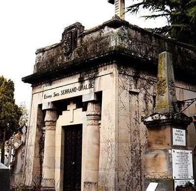 Visitas-Guiadas-al-Cementerio-de-Santa-Isabel-por-Lo-Mejor-del-País-Vasco