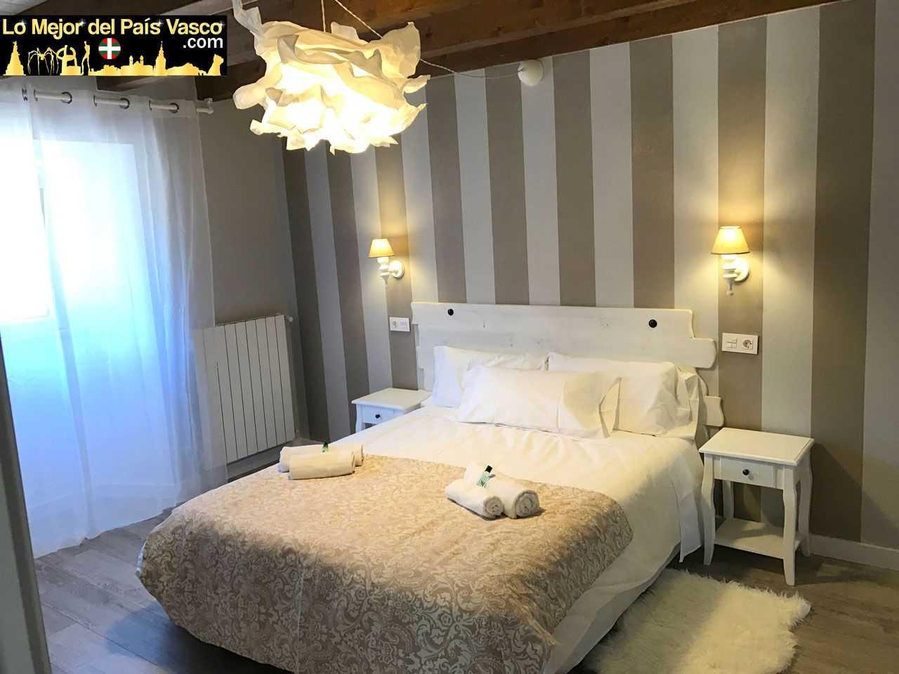 Casa-Rural-Tierra-y-Madera-Apartamento-Zur-Dormitorio-por-Lo-Mejor-del-País-Vasco