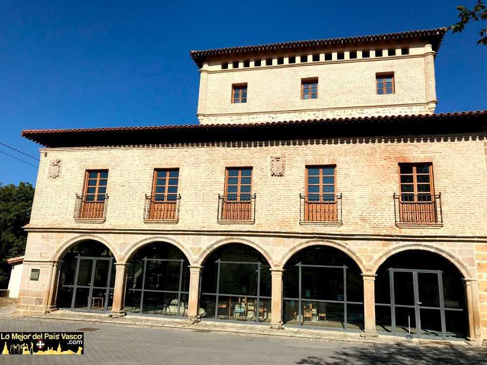 Visitas-Guiadas-a-la-Torre-de-Murga-Plaza-por-Lo-Mejor-del-País-Vasco