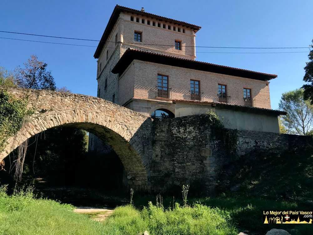 Visitas-Guiadas-a-la-Torre-de-Murga-Puente-Río-Izoria-por-Lo-Mejor-del-País-Vasco